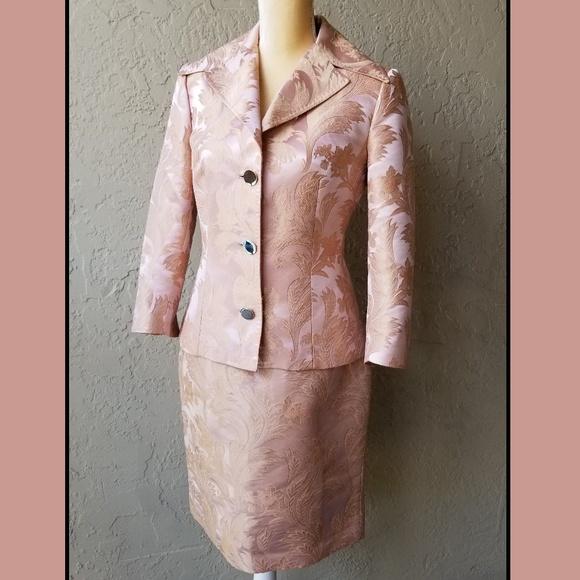 ce1abc2895d57b Dolce & Gabbana Jackets & Blazers - Dolce & Gabbana pink and gold damask skirt  suit
